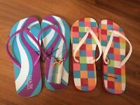 Ladies flip flops brand new size Large 7/8