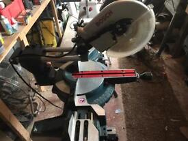 BOSCH GMC10S MITRE SAW WITH BENCH (110)