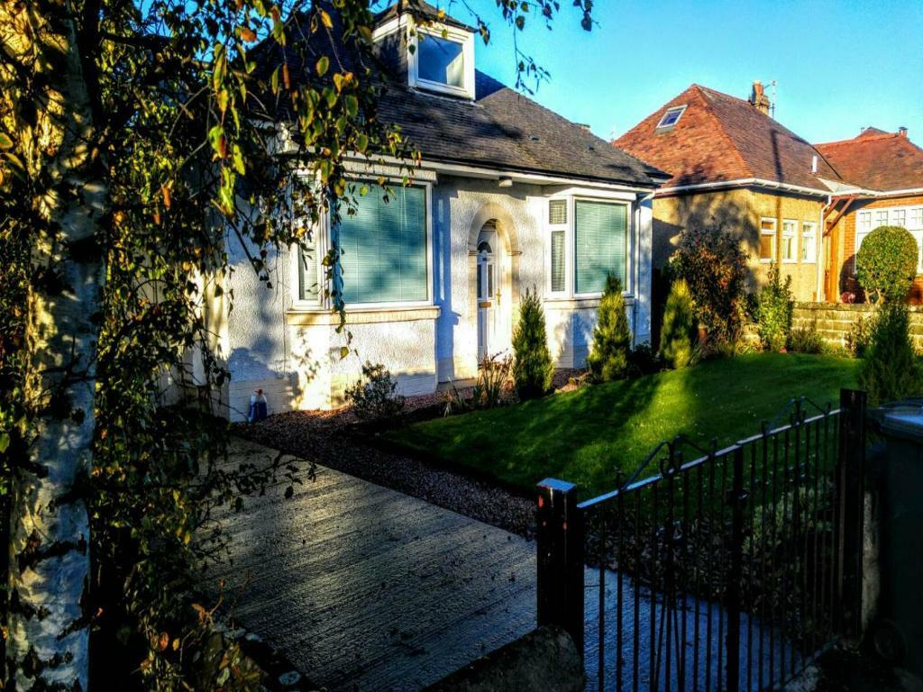3 bedroom house in Glamis Road, Dundee ,
