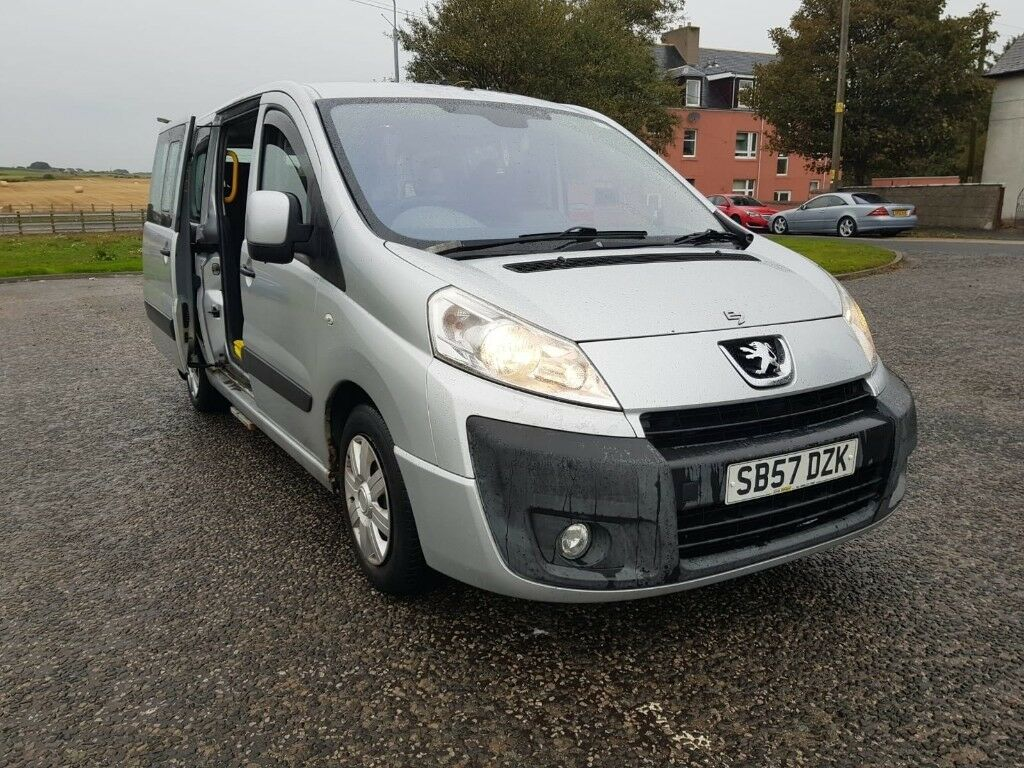 just serviced. peugeot e7 8 seater people carrier minibus 7 seater van