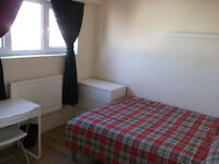 Lovely Double Room Available Now In Crossharbour - Fantastic Location!