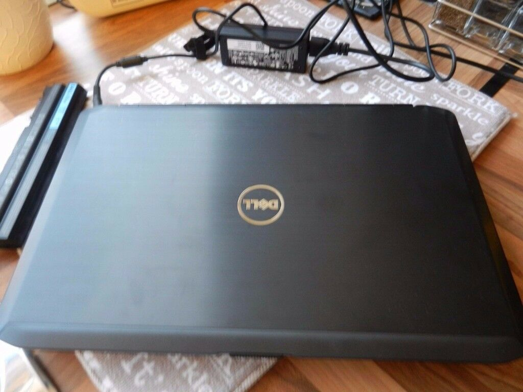 DELL LAPTOP (GOOD CLEAN CONDITION)