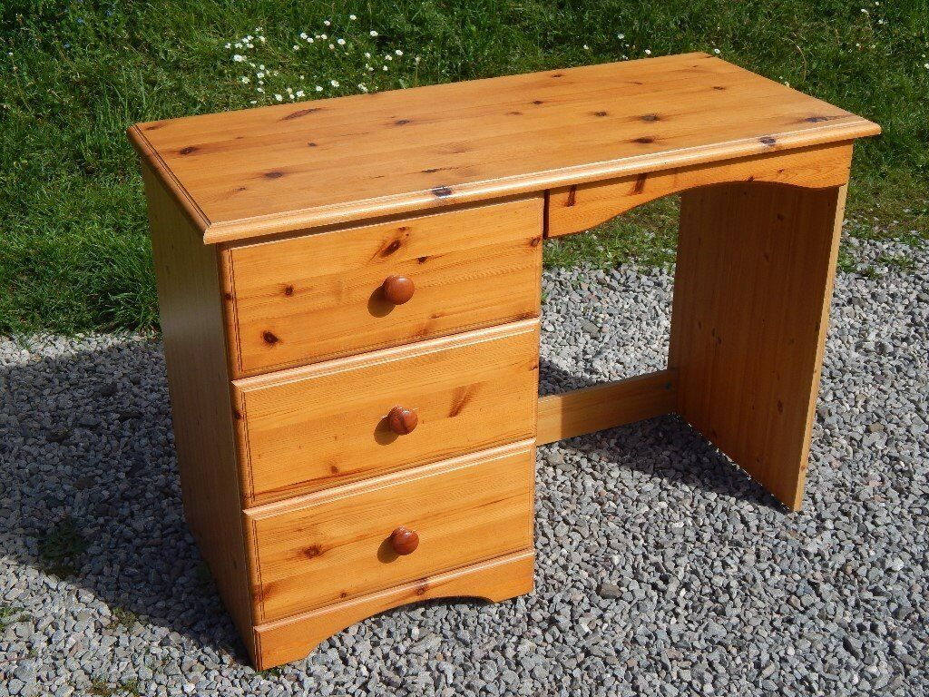 Small pine dressing table