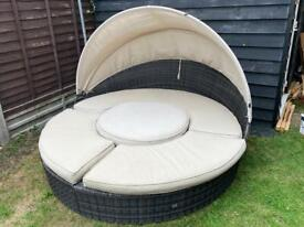 Ratten day bed