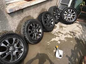 Set of 5 Land Rover alloys