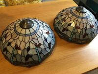 Beautiful set of 2 Tiffany style light shades and fittings