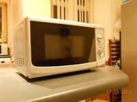 700W Microwave to sell