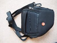 MANFROTTO ADVANCE HOLSTER SHOULDER BAG (XS)