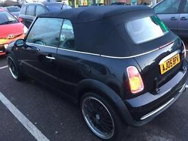 Mini convertible looks new in &out 2600!