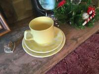 Tea set, cup, saucer and plate x 6 in box, yellow
