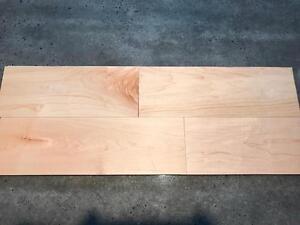 Plancher ingénierie érable seulement 3.89$/pc