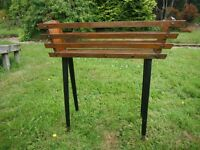 RETRO 1950s/1960s WOODEN PLANT POT STAND WITH TAPERED LEGS