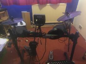 Alesis DM6 Electronic Drum Kit + Stagg Amplifier