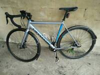 54cm Cannondale caad synapse 105 disc brake