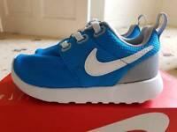 Nike kids roshruns Bnib size 12.5