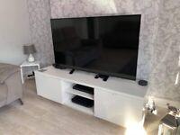 White high gloss tv unit
