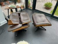 Eames lounge arm chair