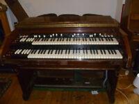 PIANO/KEYBOARD PLAYER