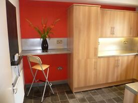 3 BED STUDENT HOUSE ON NORTH SHERWOOD STREET. ARBORETUM/TRENT UNIVERSITY - AVAILABLE 17/18 -£90 PPPW