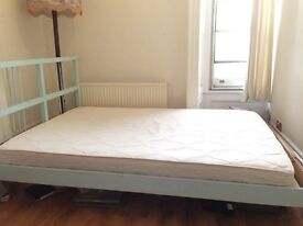 Double Queen Mattress Memory Foam - Very Good Condition