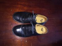 Unisex Doc Martin black shoes (size 8)