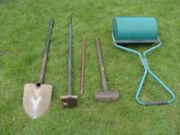 GARDEN ROLLER AND TOOLS