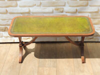 Coffee table Vintage with leather top (Delivery)