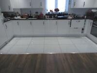 19 Beautiful Porcelanosa White/Silver Sparkle 600 x 600 Tiles - £65.00