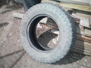 1 Goodyear Wrangler Territory Winter Tire * LT275 65R18 123/120Q * $40.00 .  M+S / Winter Tire ( used tire )