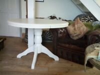 ROUND PINE PAINTED KITHEN DINING PEDESTAL TABLE