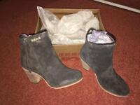 Superdry ladies boots in size 6 brand new