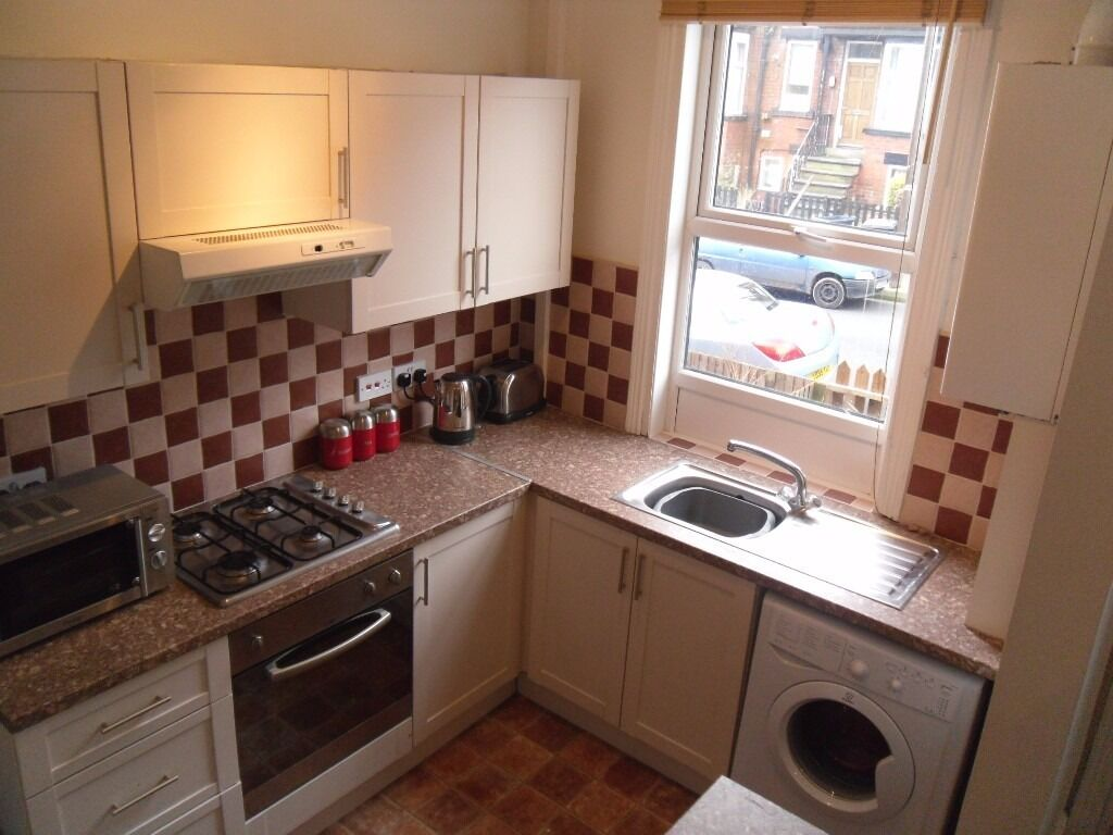 ** Lovely spacious 4 bed house, fully refurbed with quality furnishings. Private Landlord **