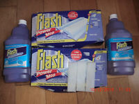 Flash Powermop cleaning solution (2 bottles) and 10 super absorbent cleaning pads