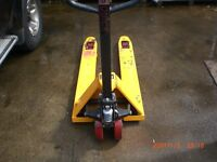 a very good condition hydraulic Pallet lifter\truck. rarely used, ready to work