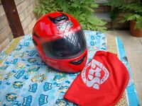 REDUCED REDUCED motor cycle helmet in new condition IXS in red s