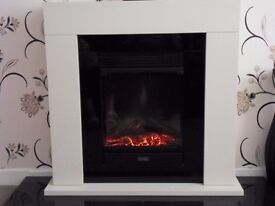 DIMPLEX REMOTE ELECTRIC FIRE WITH SURROUND-