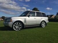 Range Rover vogue new shape front and rear . Not x5 Land Rover