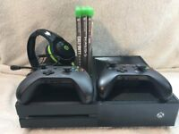 Xbox One 500GB + 3 Games + Two Controllers