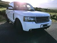 Immaculate 2010 model Range Rover Vogue 3.6 Alaska White