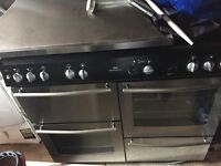 New world Gas cooker and hood excellent condition £250.00ovno
