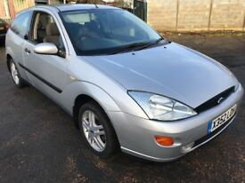 Ford Focus Zetec 1388cc Petrol 5 speed manual 3 door hatchback X Reg 30/12/2000 Silver