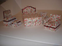 1:12 Pretty boudoir set for your dolls house. New and unused.