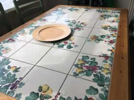 Decorative Dining Room Table & Chairs, Good Condition, Great price