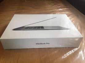 Apple MacBook Pro 15 (Current Model) Space Grey - 2.6GHz, Quad-Core intel i7 - 16GB RAM, 256GB SSD
