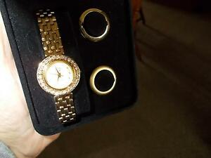 COLLECTABLE ELIZABETH TAYLOR  WHITE DIAMONDS  QUARTZ WATCH ,