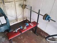 Press bench + weights