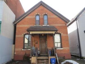 422 CANNON Street E Hamilton, Ontario