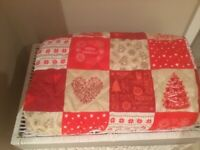 Christmas quilt and matching pillow shams