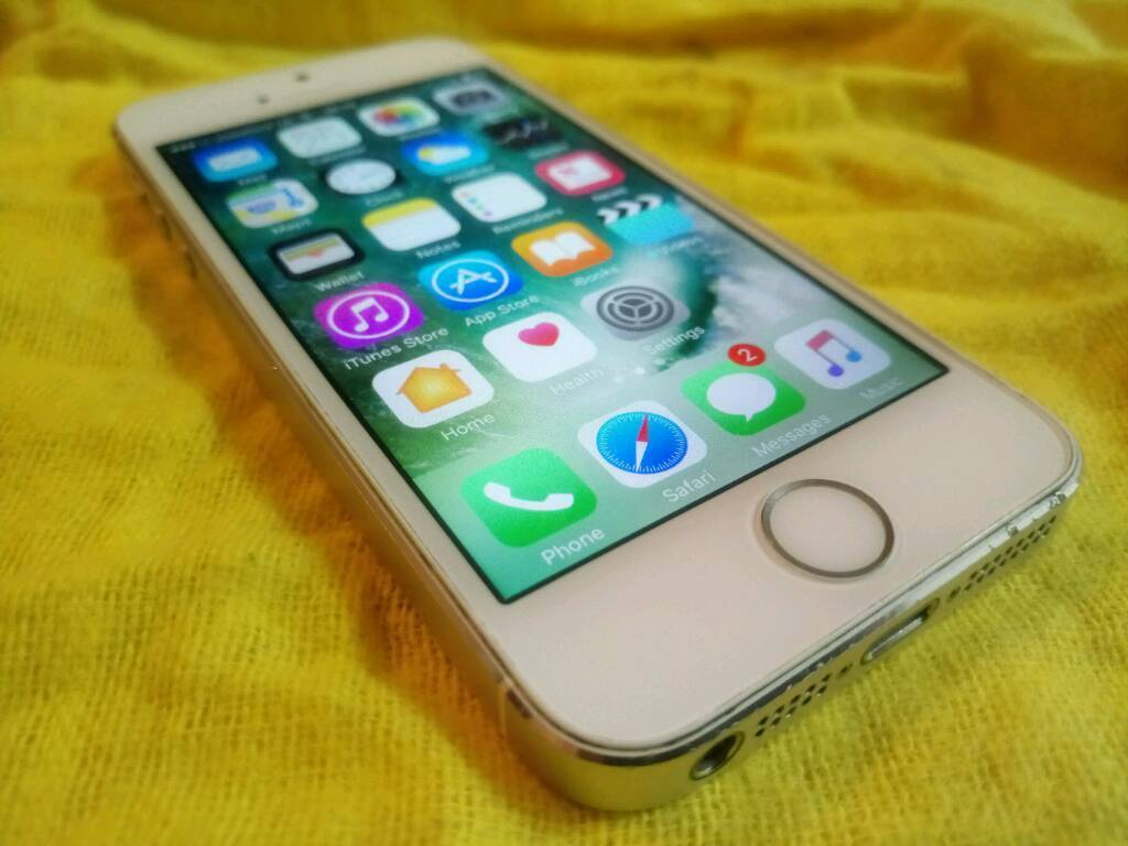 Apple iPhone 5s 16GBin Batley, West YorkshireGumtree - Apple iphone 5s 16GBGood conditionLocked to vodaphoneIcloud has been removedNo charger included£85