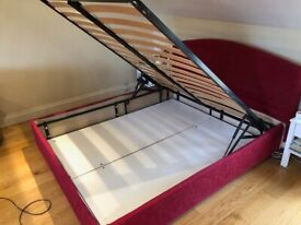 Ottoman kingsize bed